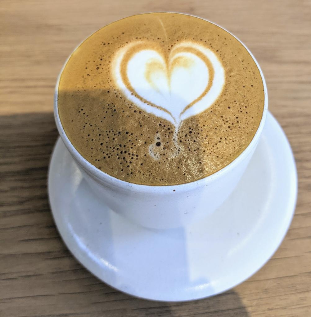 清澄白河のブルーボトルコーヒーでパナマのゲイシャ発見![カフェ巡り] カプチーノ