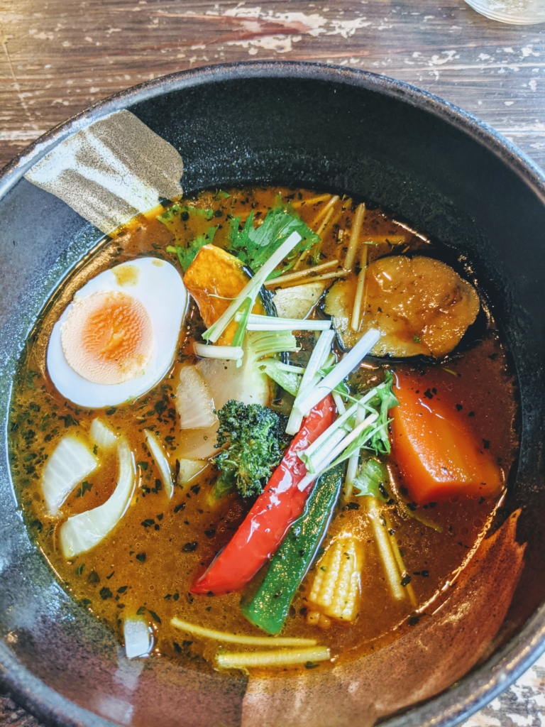 銀座、京橋でスープカレー食べるならココ![札幌ドミニカ銀座店] 特選野菜カリー
