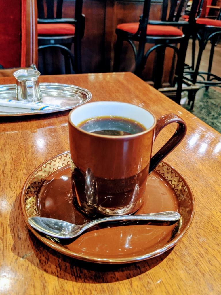 [カフェ巡り]回転ドアがインスタ映えな銀座トリコロール 本店 トアルコ・トラジャコーヒー