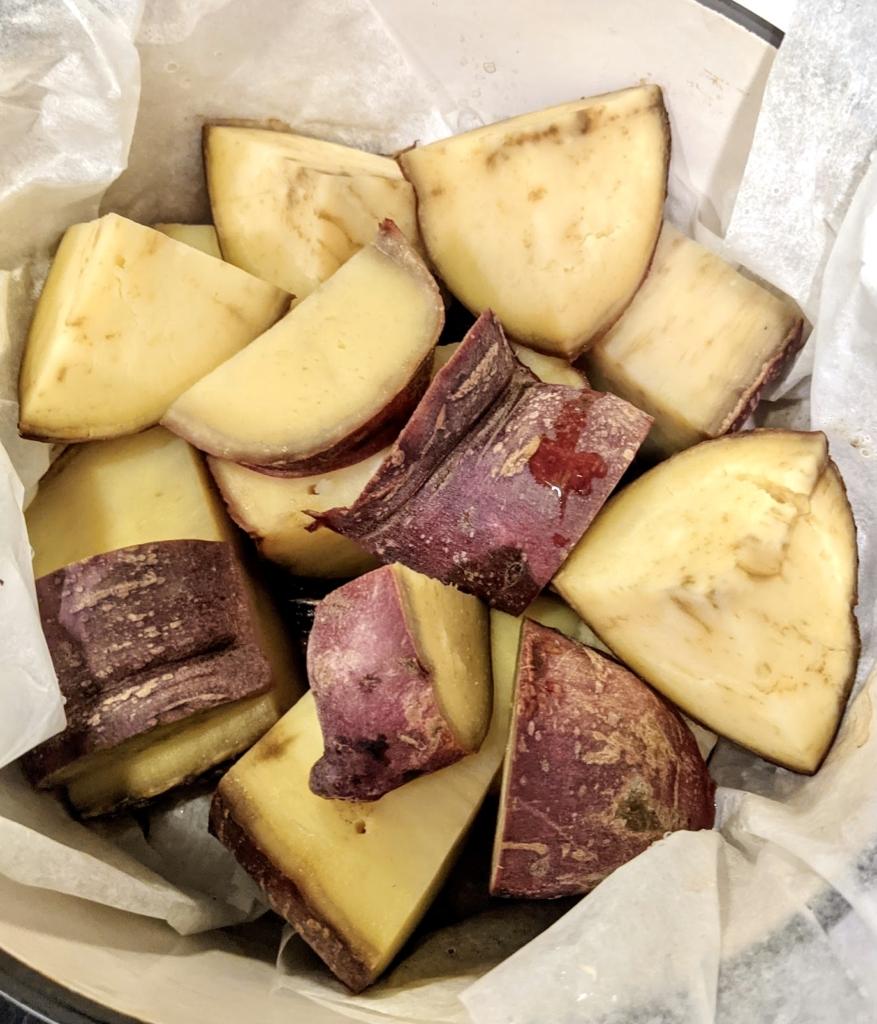 バーミキュラ無水鍋で作る無水カレーやビーフシチューが美味しい!簡単レビュー  蒸し芋